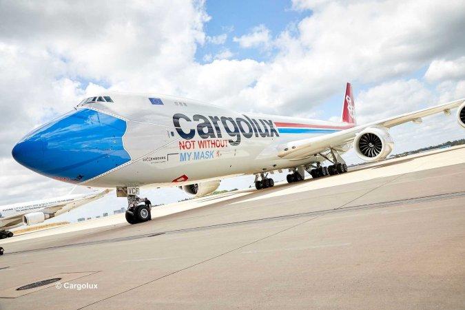 """Revell Plastikový model letadla Boeing 747-8F CARGOLUX LX-VCF """"Facemask"""" - Limitovaná edice"""