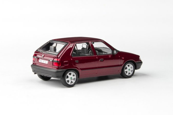 Abrex Škoda Felicia (1994) - Vínová Solitaire metalíza