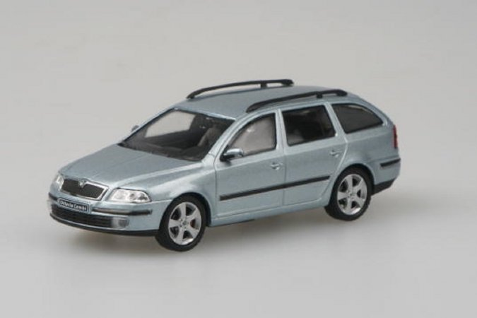 Abrex Škoda Octavia II Combi (2004) - Šedá Stone metalíza