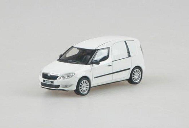 Abrex Škoda Roomster FL Praktik (2010) - Bílá Candi Uni