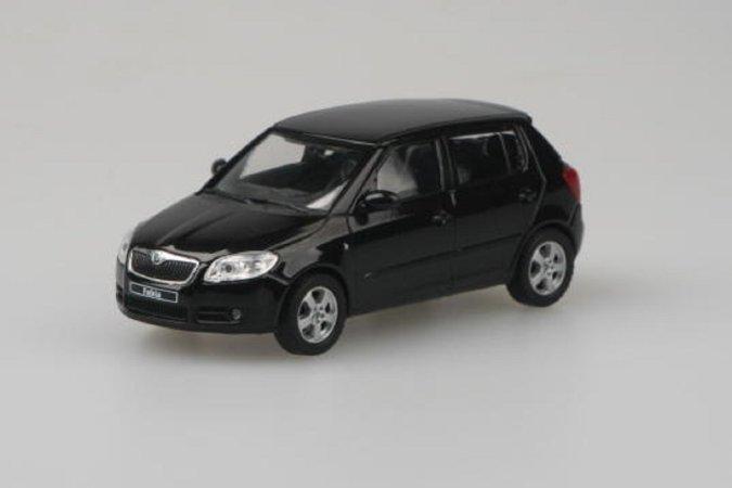 Abrex Škoda Fabia II (2006) - Černá Magic metalíza