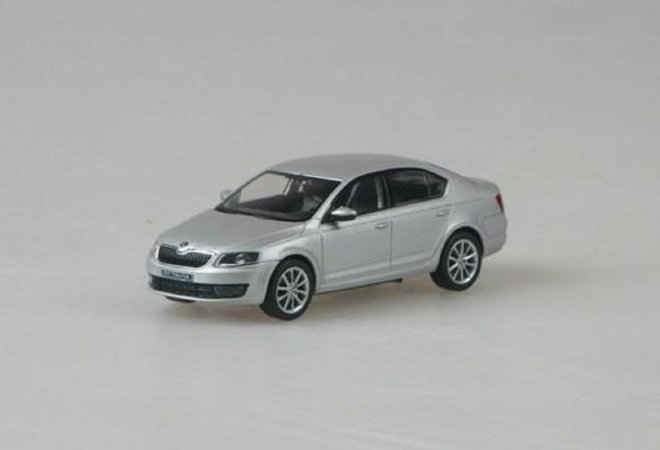 Abrex Škoda Octavia III (2012) - Stříbrná Brilliant metalíza