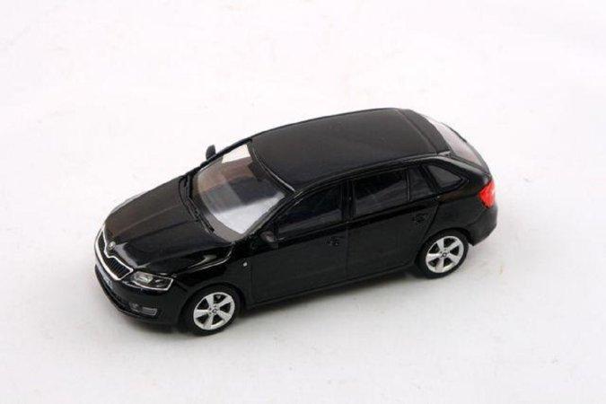 Abrex Škoda Rapid Spaceback (2013) - Černá Magic metalíza