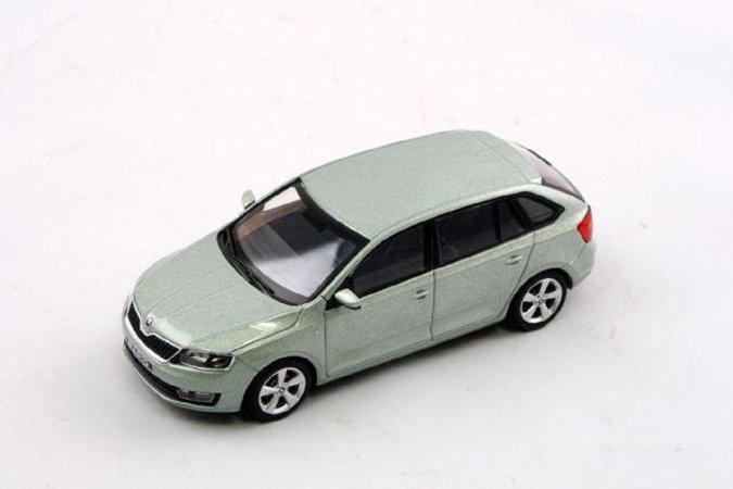Abrex Škoda Rapid Spaceback (2013) - Zelená Arctic metalíza