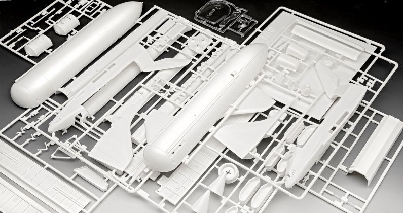 Revell Gift-Set - Plastikový model vesmír Space Shuttle & Booster Rockets - 40th Anniversary