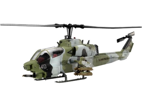 Revell Plastikový model vrtulníku AH-1W 'Super Cobra' - Výprodej