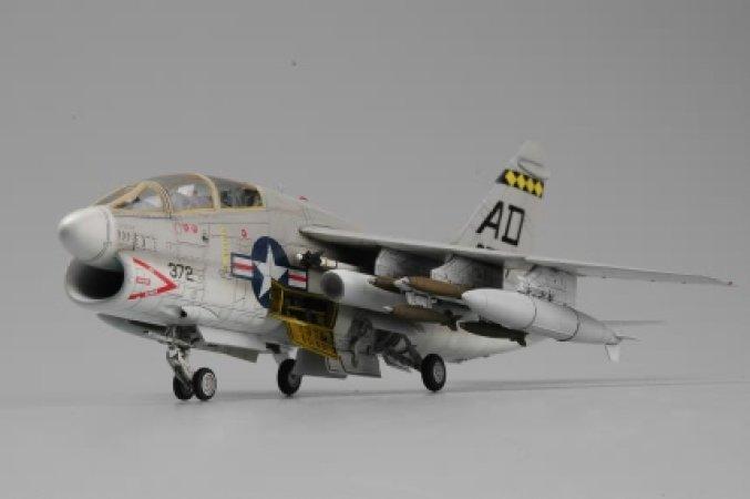 Hobby Boss TA-7C Corsair II - 1:72