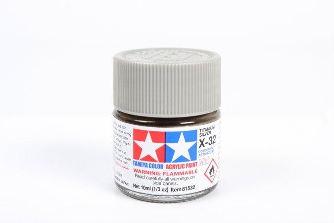 Tamiya Barva akrylová lesklá - Titanově stříbrná (Titanium Silver) - Mini X-32