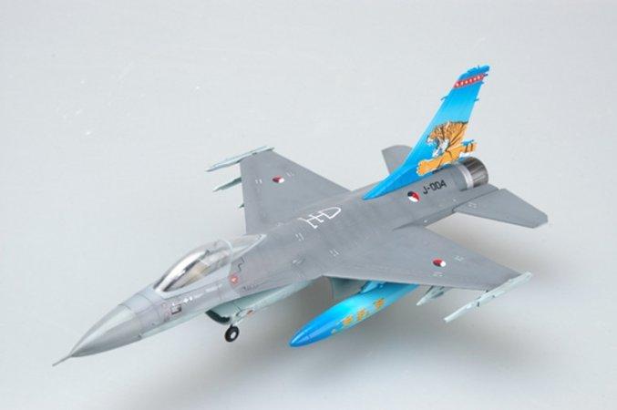 Easy model F-16A J-004 NTAF Tiger Meet