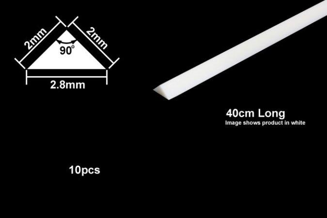 Tamiya Profil Plast 2 mm Triangle *10