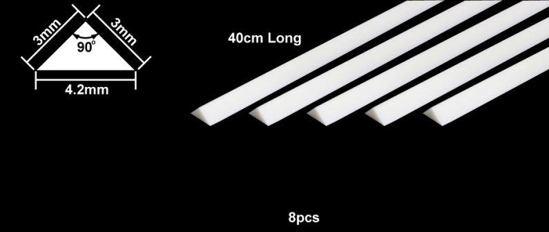 Tamiya Profil Plast 3 mm Triangle *8
