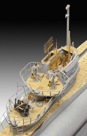 Revell Plastikový model ponorky German Submarine Type VII C/41 - Platinová edice