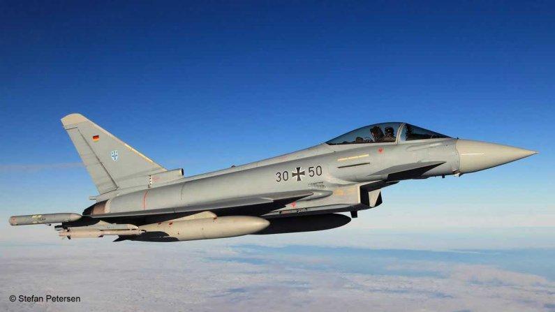 Revell Plastikový model letadla Eurofighter Typhoon single seater