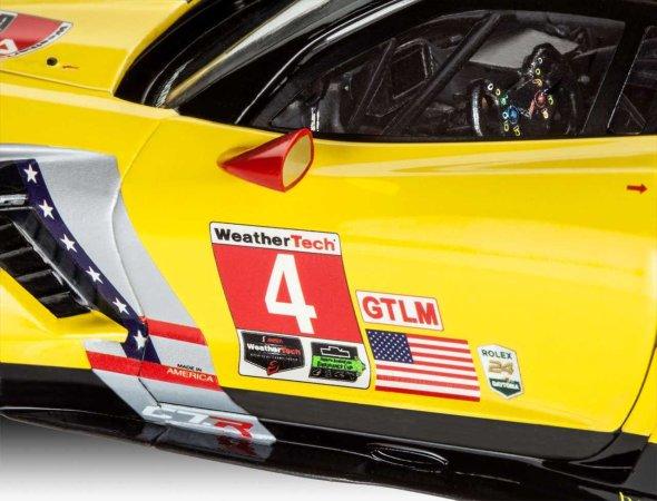 Revell Plastikový model závodního auta Corvette C7.R