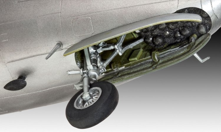 Revell Plastikový model letadla DC-4 ´Balair Iceland Airways´ - Výprodej