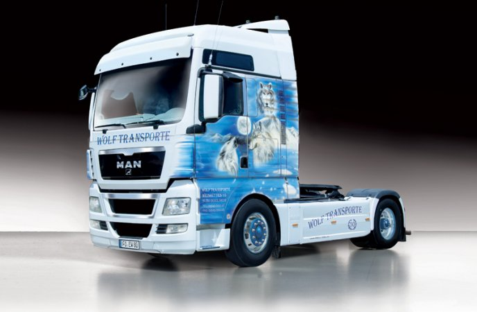 "Italeri Model Kit Kamion 3921 - MAN TGX XXL ""WOLF TRANSPORTE"""