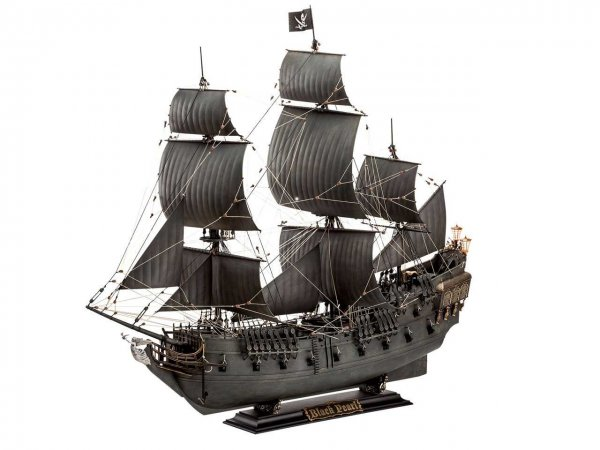 Revell Plastikový model plachetnice Black Pearl - Limited Edition