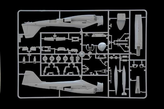 Italeri Model Kit letadlo 1405 - KA-6D Intruder