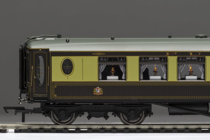 Hornby Vagón osobní - Pullman First Class Kitchen Car 'Minerva'