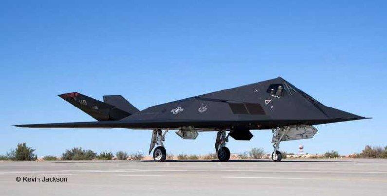 Revell Plastikový model letadla Lockheed Martin F-117A Nighthawk Stealth Fighter