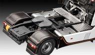 Revell Plastikový model kamionu Mercedes-Benz Actros MP4