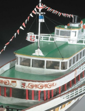 Revell Gift-Set - Plastikový model lodě Rheindampfer / Paddle Steamer GOETHE